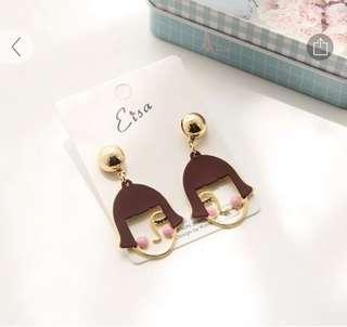 🚚 Blushing Girl Clip-on earrings