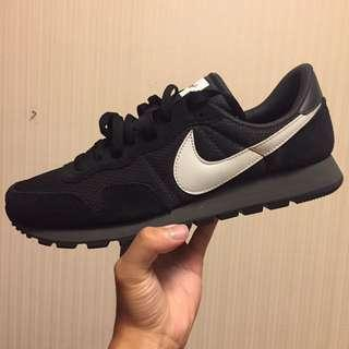 🚚 全新Nike球鞋(US9.5)