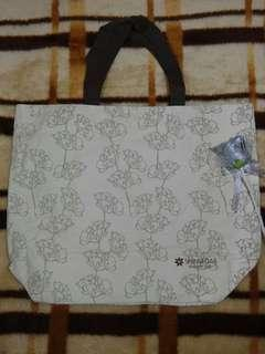 Totebag with zipper 37