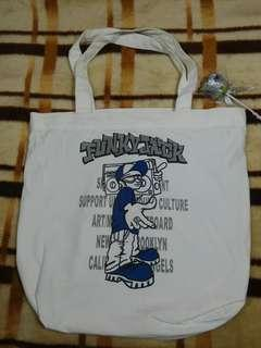 Totebag with zipper 38
