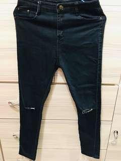 🚚 黑色破洞牛仔褲
