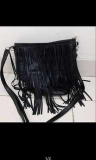 Fringe slingbag