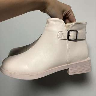 全新 高筒皮鞋