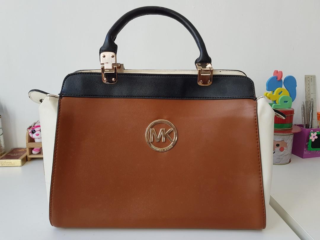 af34170aa28d Classic hand bag - First Copy Michael Kors, Women's Fashion, Bags ...