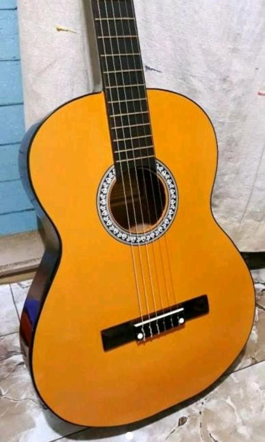 Gitar Yamaha G225 Nylon Music Media Instruments On Carousell