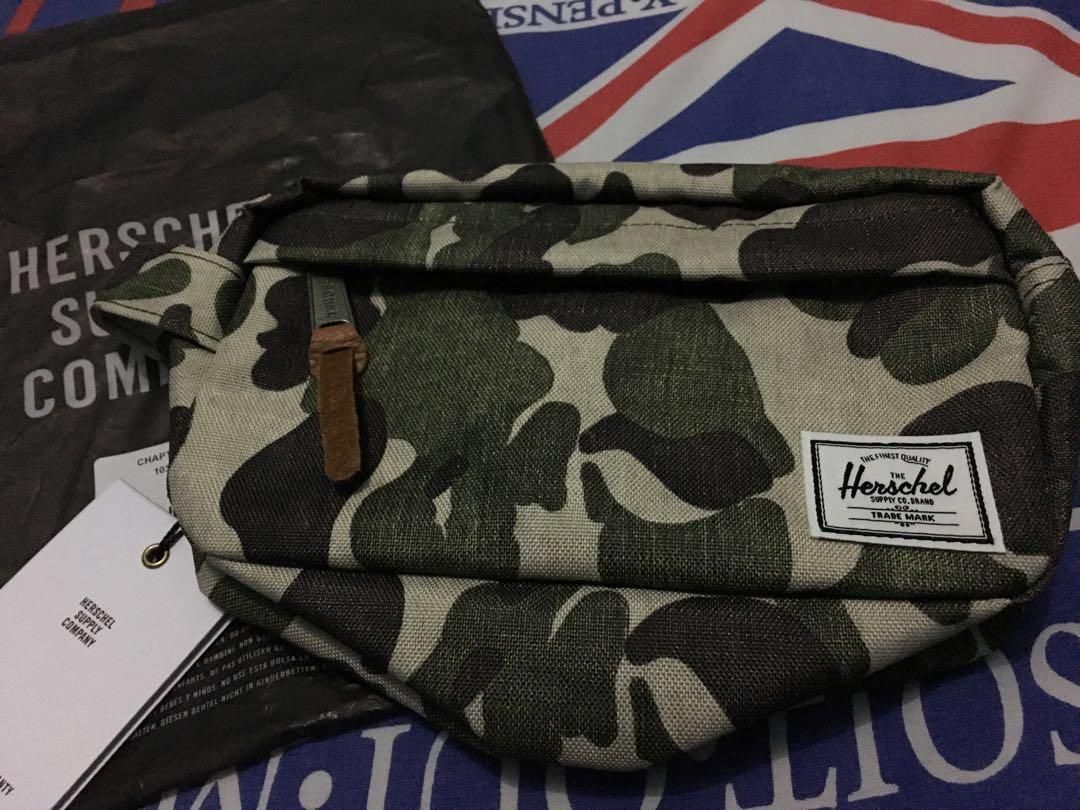 HERSCHEL CHAPTER CARRY ON FROG CAMO
