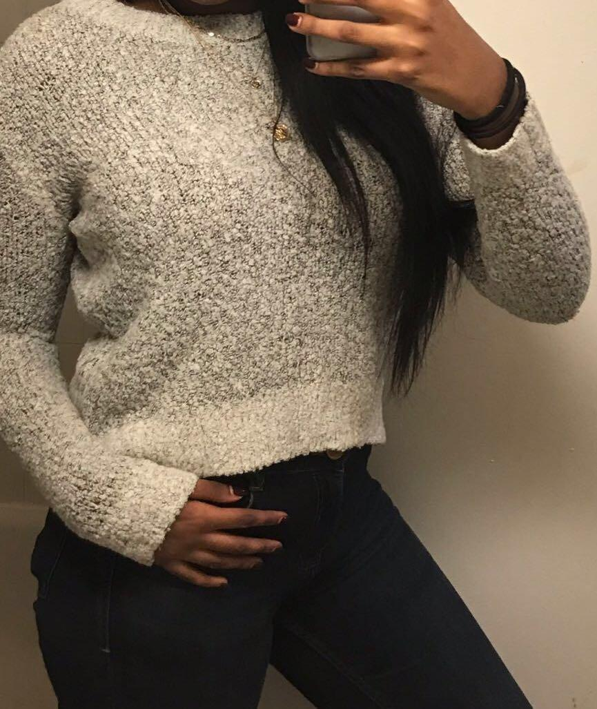 H&M sweater (softt,worn 3 times, good quality and looks better irl)