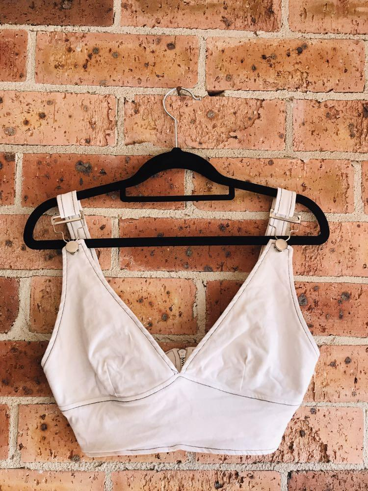 """L&T Brand Crop (""""Exposure Top White"""" From Universal Store)"""