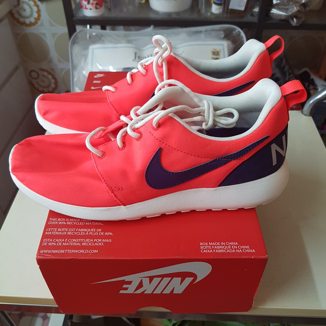 newest 28633 55ab1 Nike roshe, Men's Fashion, Footwear, Sneakers on Carousell