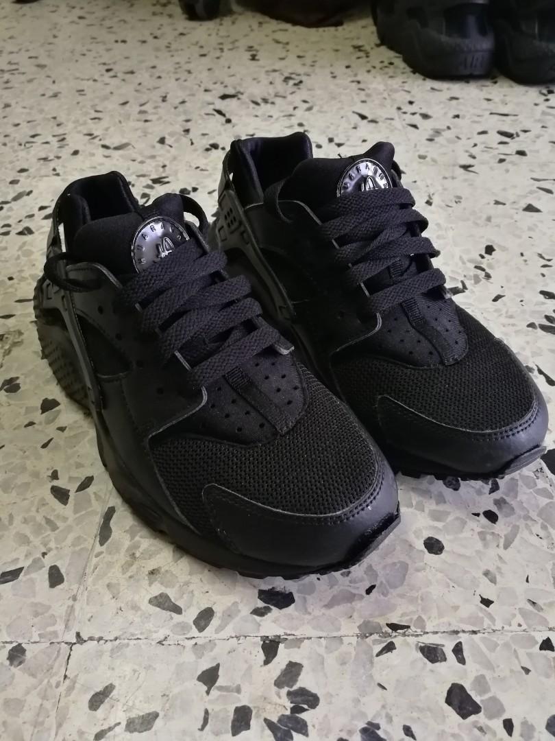 new product ae3b1 06f8d Original NIKE AIR HUARACHE TRIPLE BLACK for women 👍👍