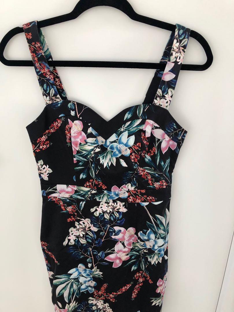 Portman's floral dress 8