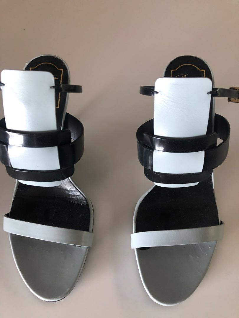 7cfcdd888 Roger Vivier sandals, Luxury, Shoes on Carousell