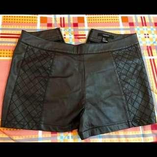Forever 21 HW Leather Black Short