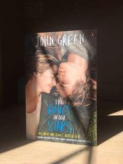 The Fault In Our Stars, Book by John Green (Paperback)