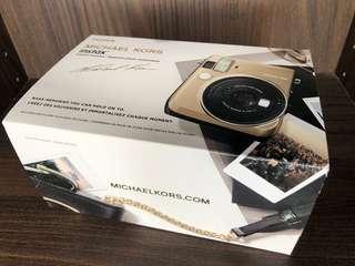 🚚 MICHAEL KORS與日本富士Fujifilm聯名拍立得Mini 70相機