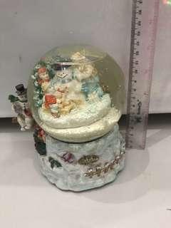 Globe snowman music box