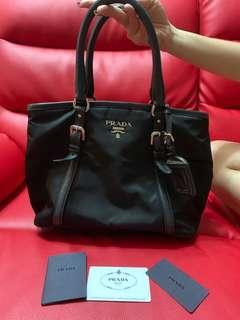 🚚 Original Prada Hand Bag