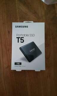 Samsung T5 Portable SSD Hard Drive Flash Disk 1TB or  1000GB - USB 3.1 External Brand New Ultra Small