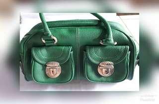 Tas hijau (tali pendek)