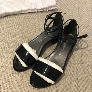SW STUART WEITZMAN sandal