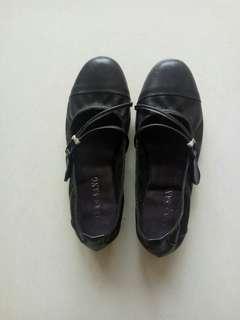 🚚 台灣製造正皮女鞋69碼23.5碼