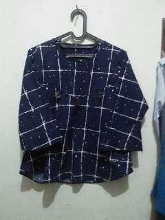 Blouse navy motif