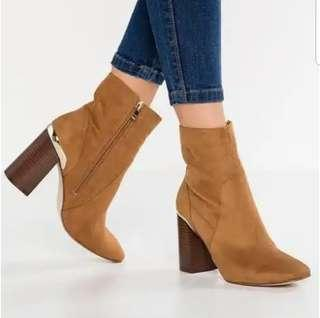 Suede Boots By Dorothy Perkins