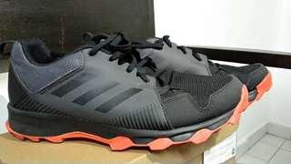 Hiking shoes (adidas terrex tracetraker)