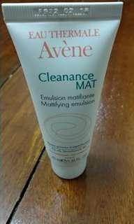 Avéne cleanance mat