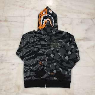 dd18df6f bape hoodie m | Clothes | Carousell Singapore