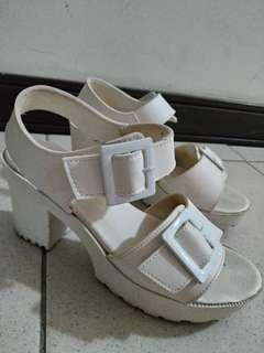 白色 涼鞋 跟鞋 24.5