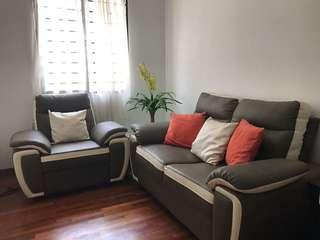 Sofa 2+1 seater and coffee table (full leather)