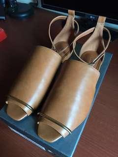 Charles & Keith original sepatu new 100% baru bener, mulus bener