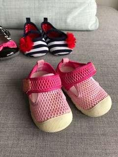 BB 嬰兒 女仔鞋 透氣步鞋 學步鞋 魔術貼 Pink Baby shoes with Velcro 新舊如圖 As shown condition