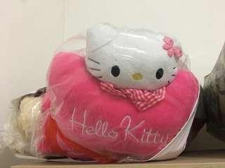 bantal mobil hello kity
