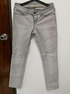 ( RARE ) 💯 Authentic Levis denim Jeans with Swarovski crystal details in grey size 28