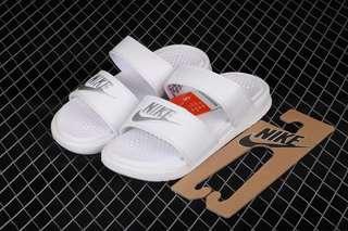 Nike benassi,齊size