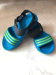 🚚 Adidas Sandal for toddler