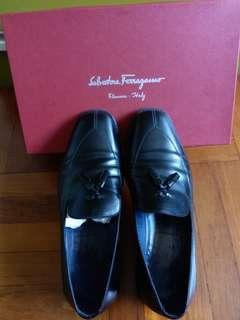 SALVATORE FERRAGAMO shoe ( ORIGINAL)