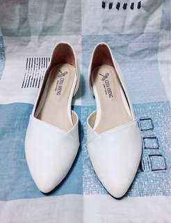 [斜口鏤空] 氣質尖頭平底鞋