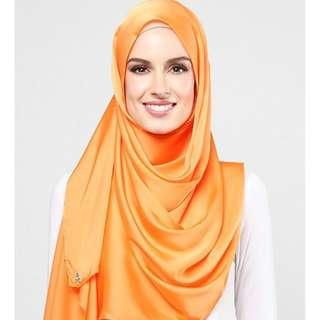 Duckscarves in Apricot Taffy (Satin Silk)