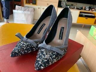 灰藍色晚裝高跟鞋
