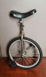 單輪車  獨輪車  雜耍
