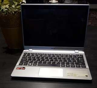 Selling used acer touchscreen laptop.