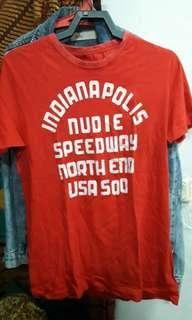 Kaos oblong warna merah