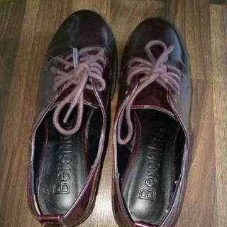 Bershka maroon shoes