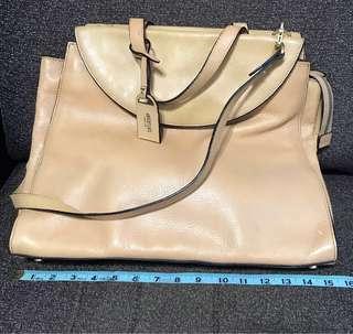🚚 Kate Spade Saturday Bag