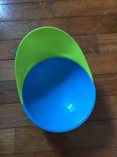 🚚 Boon catch bowl with suction