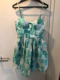 Green sweetheart dress