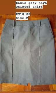 Basic grey skirt